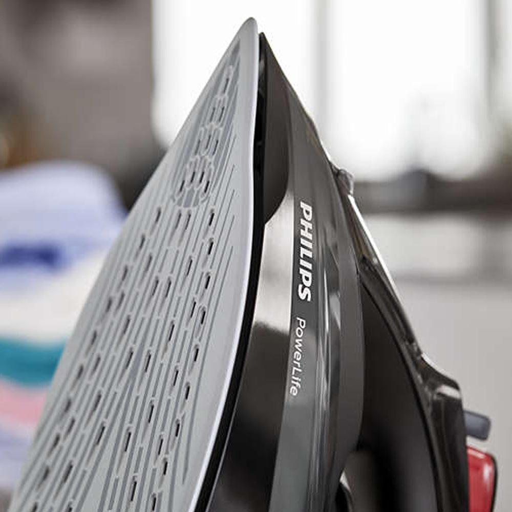 หัวเตารีดแหลมเข้าได้ทุกซอก ทุกมุม เตารีดไอน้ำ Philips 2400 วัตต์